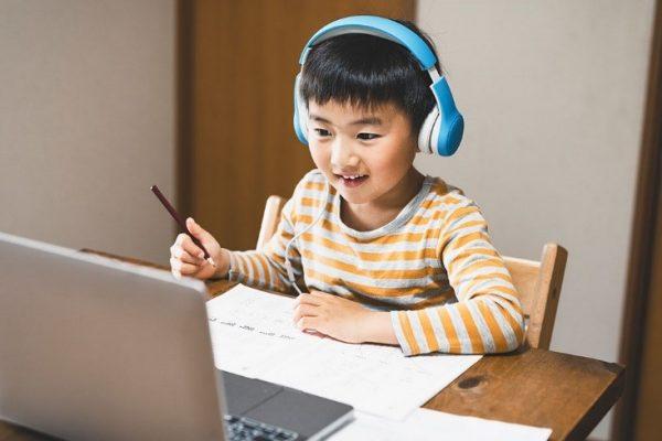 Lên thời gian biểu khoa học giúp con học trực tuyến hiệu quả hơn
